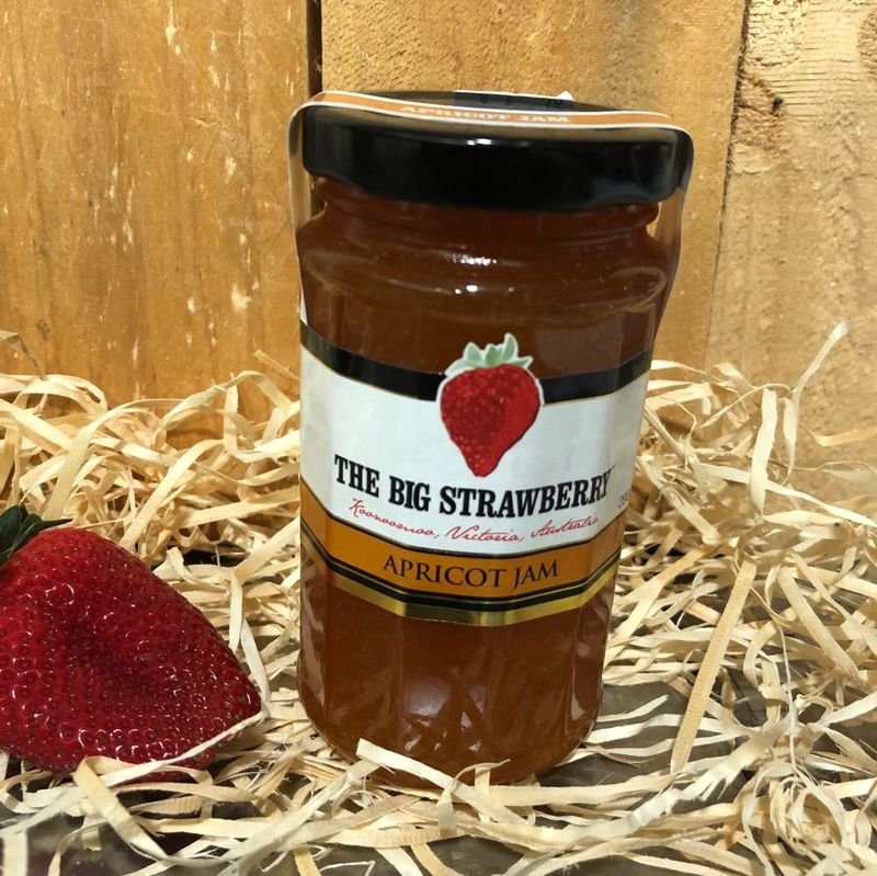 Big Strawberry Apricot Jam 290g