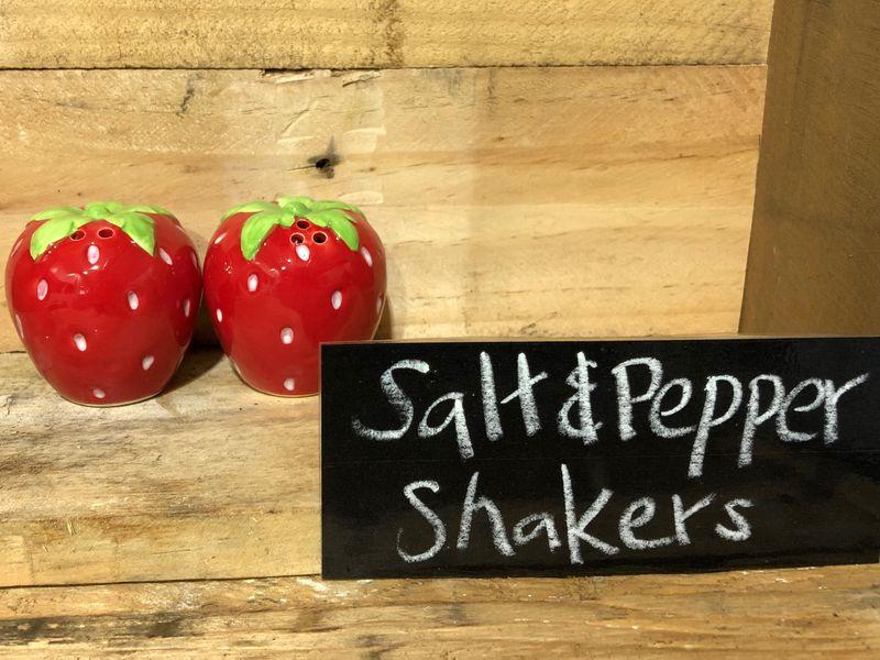 Big Strawberry Salt 7 Pepper Shakers